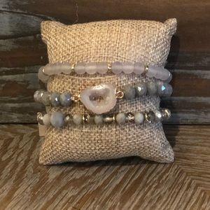 Jewelry - 🌸Very Pretty Bracelet Set🌸